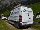 Vals GR - Verkehrsunfall zwischen Spaziergängerin und Firmenbus