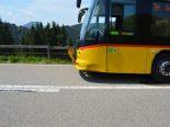 Urnäsch AR - Mit Postauto verunfallt