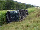 Lastwagenunfall Pfaffnau LU - Lenker verletzt und Strasse gesperrt