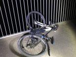 Sevelen SG - E-Biker mit Brückengeländer kollidiert