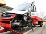 Unfall A13 Chur GR - Lieferwagen kracht heftig gegen Signallastwagen