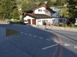 Unfall Davos GR - Autofahrerin crasht gegen zwei Mauern