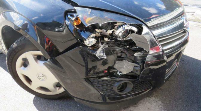 Näfels GL - Bei Unfall vortrittsberechtigtes Auto übersehen