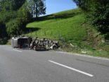 Speicher AR - Selbstunfall eines Lieferwagens mit Anhänger