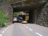 Erstfeld UR - Frontalunfall zwischen Bus und Auto