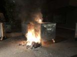 Pfäffikon SZ - Container-Brand fordert Feuerwehr