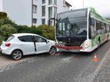 Bettlach SO - Autolenker nach Unfall mit Linienbus verletzt