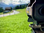 Obwalden OW - Motorradfahrer rast viermal an Blitzer vorbei