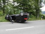 Unfall in Niederbüren SG - Auto kollidiert frontal mit Baum