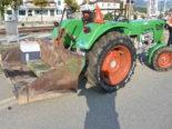 Uznach SG - Unfall zwischen Traktor, zwei Motorrädern und einem Auto