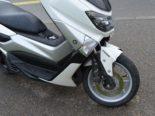 Herisau AR - Lieferwagen beim Rückwärtsfahren mit Rollerfahrerin kollidiert