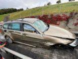 Unfall Neuheim ZG - Lenkerin verletzt und Auto Schrottplatz reif