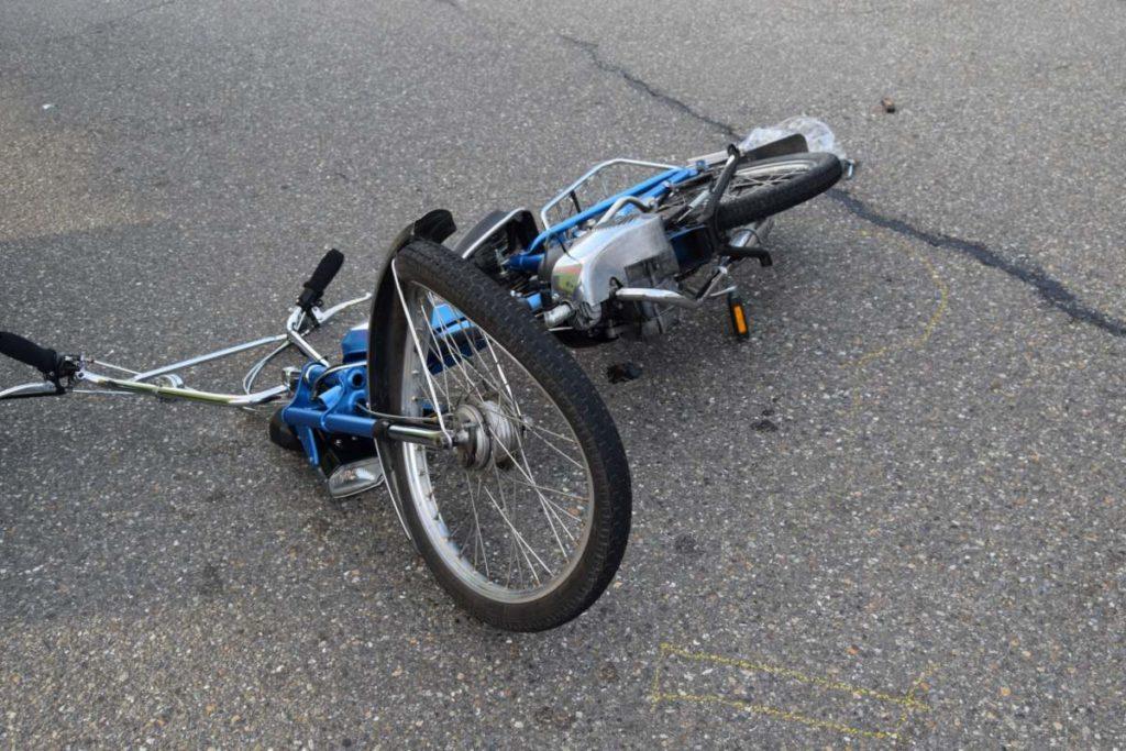 Unfall Speicherschwendi AR - Automobilist erfasst Motorfahrradfahrer