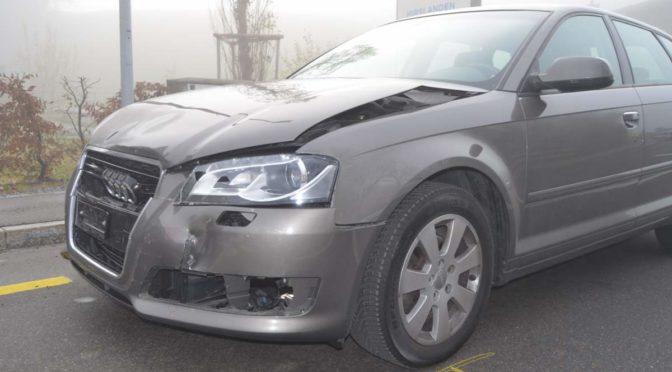 Heiden AR - 26-jährige Lenkerin prallt in Fahrzeugheck