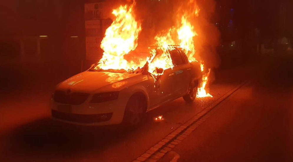 Gossau SG: Autobrand wegen einem Laptop
