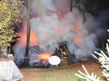 Niederbüren SG - Holzbeige in Brand geraten