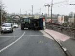 Unfall Hochdorf LU: Anhänger kippt und verliert drei Tonnen Sand