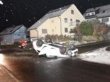 Gossau SG - Fahrunfähiger Lenker (26) bei Unfall mit Auto überschlagen