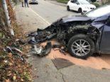 Unfall Greifensee ZH - Totalschaden nach Crash in Mauer
