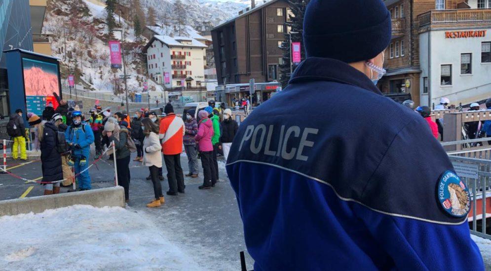 Kanton Wallis: Zwischenbilanz zur Polizeipräsenz in den Skidestinationen