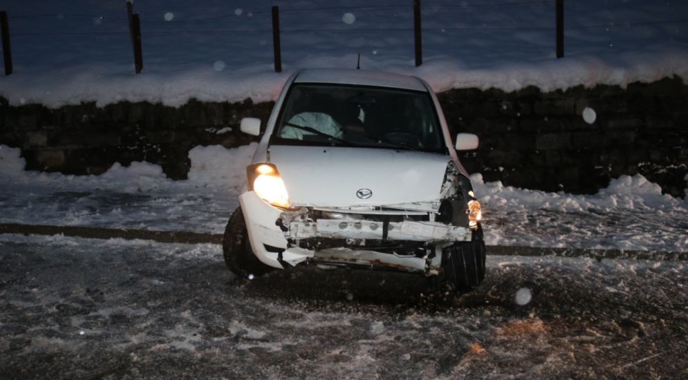 Gontenbad AI - Unfall auf schneebedeckter Strasse