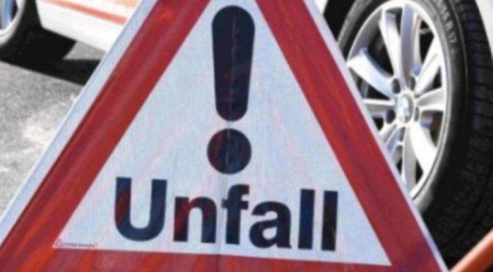 Unfall Andermatt UR - Auf Gegenfahrbahn mit Auto kollidiert