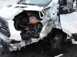 Salez SG: Unfall zwischen Lieferwagen und Auto
