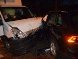 Unfall Riedholz: Crash zwischen Auto und Lieferwagen