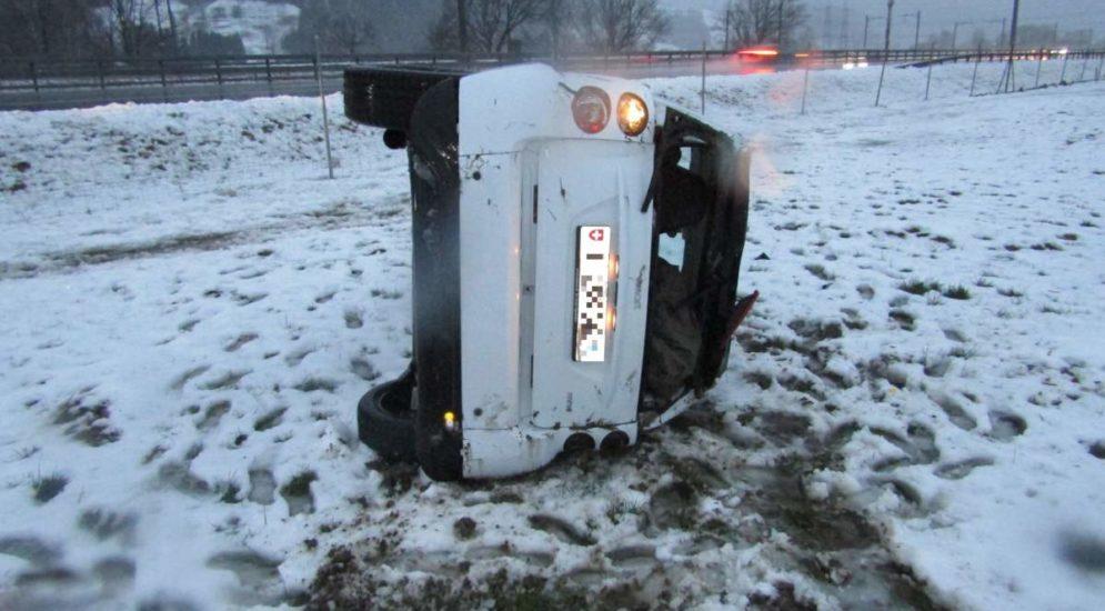 A3, Kanton Glarus: Unfälle bei winterlichen Strassenverhältnissen