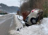 Schlossrued: Spektakulärer Unfall wegen Glatteis