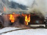 Engi GL - Doppeleinfamilienhaus in Brand geraten