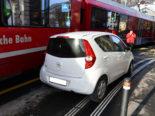 Unfall Chur GR - Auto von Arosabahn erfasst