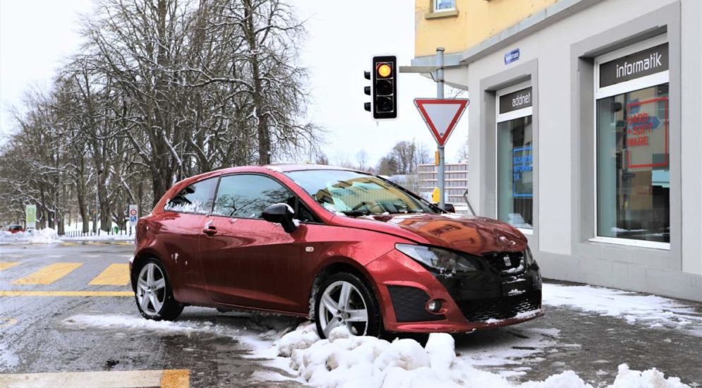 St.Gallen: Unfall führt zu Crash mit Polizeiauto