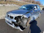 Risch Rotkreuz: Ohne ersichtlichen Grund Auto überholt und ausgebremst: Unfall!