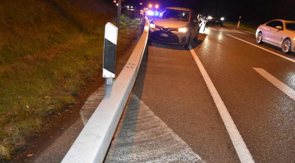 Unfall A1, Mörschwil SG: Betrunken in Leitschranke geprallt