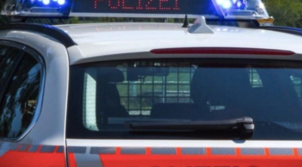 Bern BE - Polizei stoppt Kundgebung am Bundesplatz