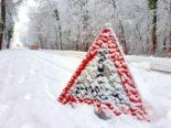 Unfall Turgi AG: Mit Sommerreifen und ohne Führerausweis in Schneemade geprallt