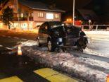 Tödlicher Unfall Arth: Autolenker kracht in Kandelaber und stirbt