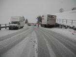 Unfälle Schwyz SZ - Erhebliche Schneefälle führen zur Sperrung der A4