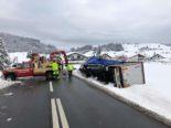 Kanton Schwyz: Hauptstrasse H8 aufgrund einer Fahrzeugbergung gesperrt