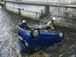Lotzwil: Auto bei Selbstunfall in Bach geraten