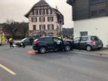 Marly FR: Unfall zwischen drei Fahrzeugen