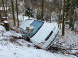 Lampenberg BL: Bei Unfall an Baumstrunk zum Stillstand gekommen