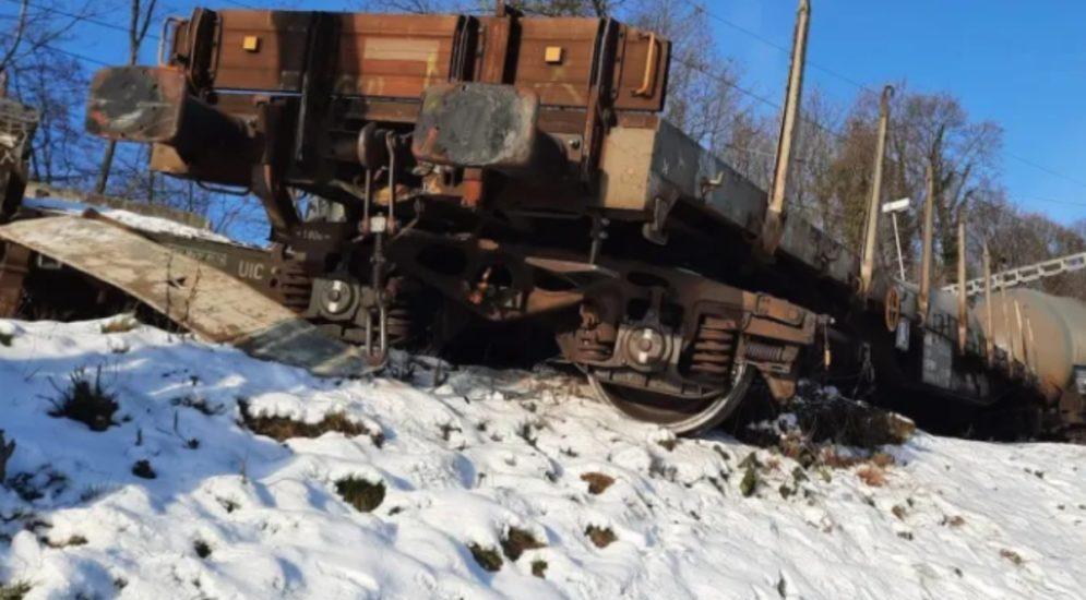 Birsfelden BL: Güterzug verunfallt