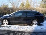 Unfall in Basel: Parkierter PW stark beschädigt und abgehauen