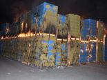 Flums SG - Gestapelte Paletten in Brand geraten