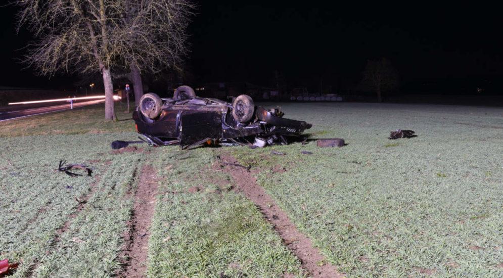Kottwil LU: Auto überschlägt sich bei Unfall mehrfach