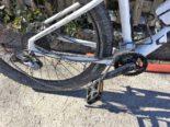 Unfall Nidfurn GL - Velofahrerin will E-Bike und Mofa überholen