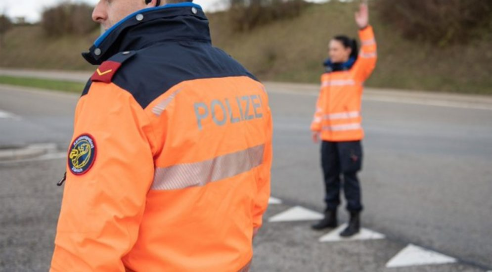 Meilen ZH: Drei Festnahmen bei Kontrollen