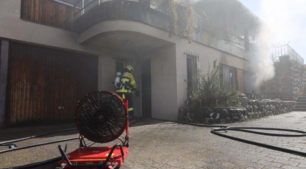 Hünenberg ZG: Beträchtlicher Schaden nach Brand einer Einliegerwohnung